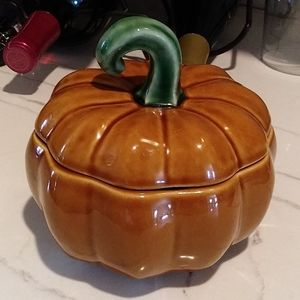 Williams Sonoma Small Pumpkin Covered  Casserole